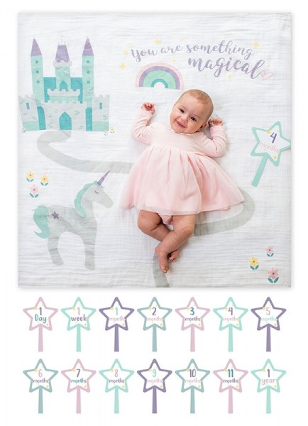 Baby''s First Year™ Swaddle-Blanket & Karten Set - Something Magical